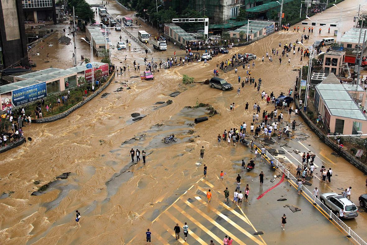 floods street china