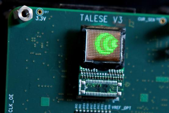 ostendo hologram smartphone chip