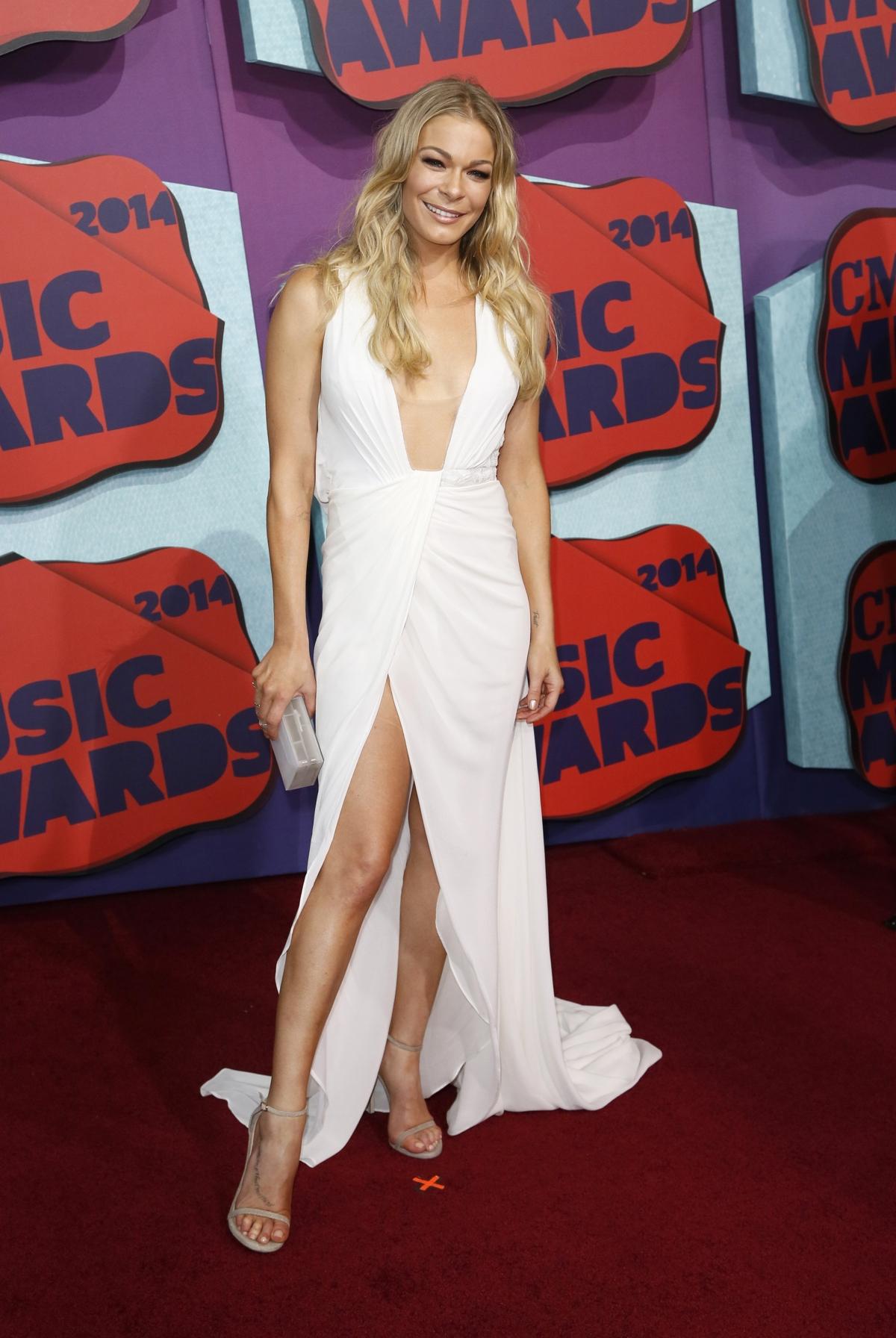 Singer LeAnn Rimes arrives at the 2014 CMT Music Awards in Nashville, Tennessee June 4, 2014.