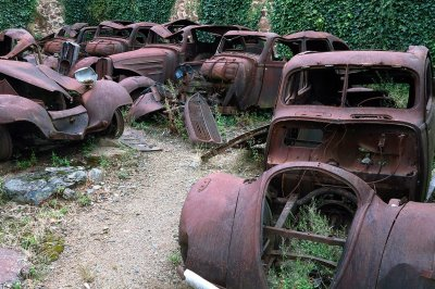 Oradour-sur-Glane cars