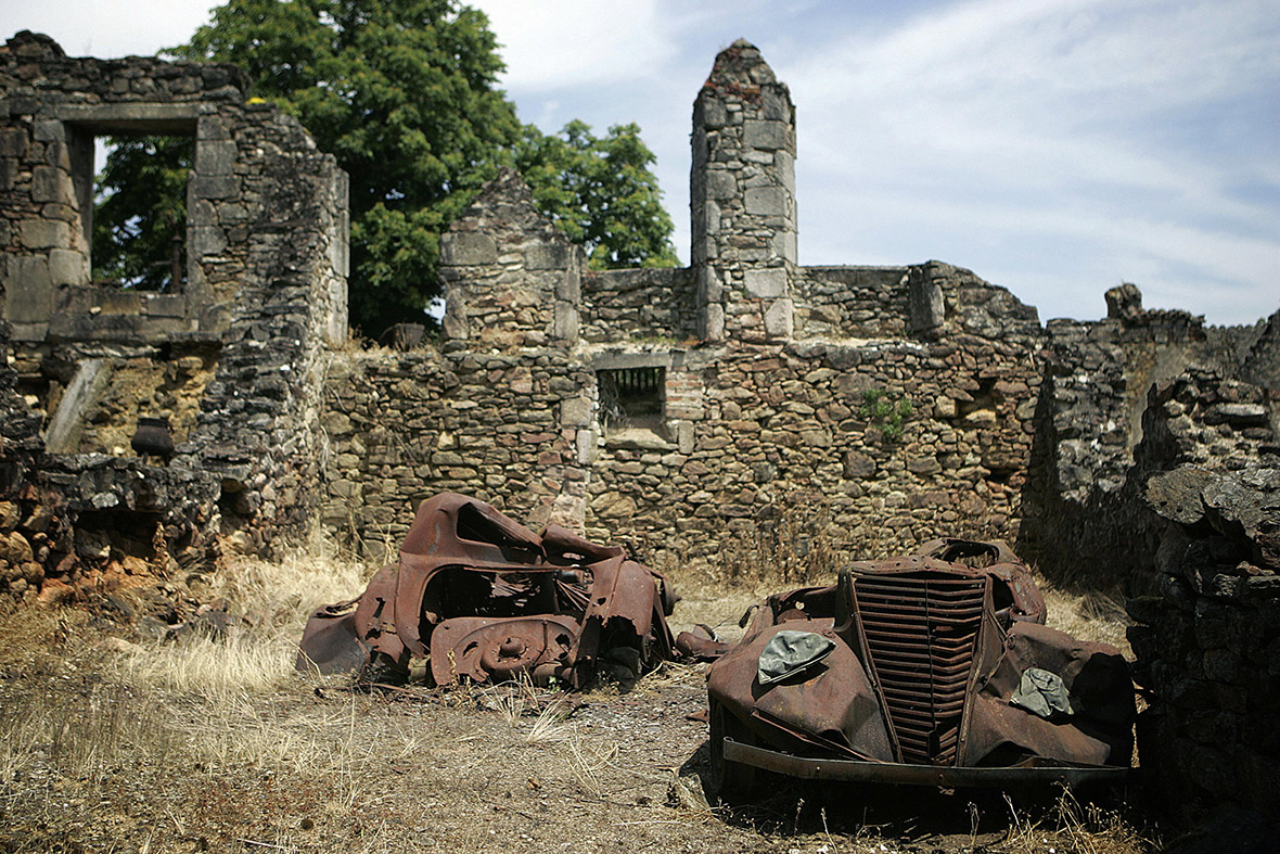 Oradour-sur-Glane cars ruins