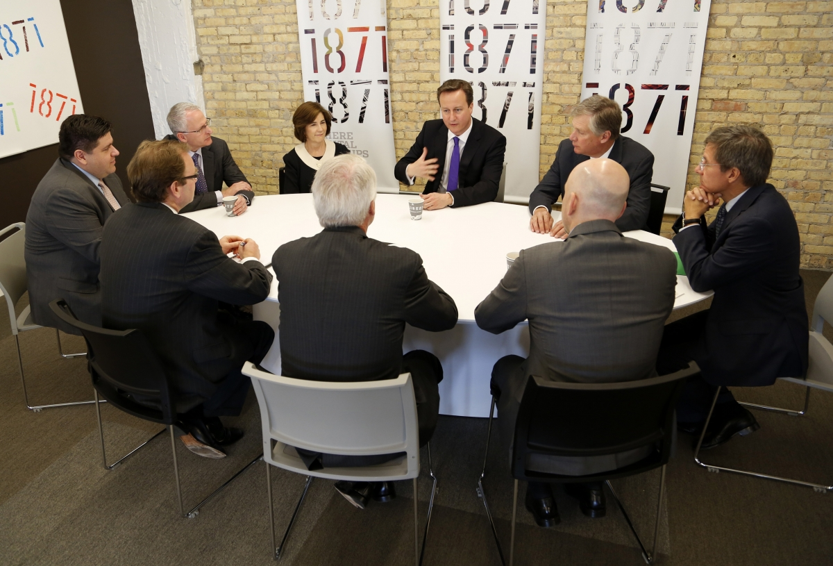 David Cameron meets with business people