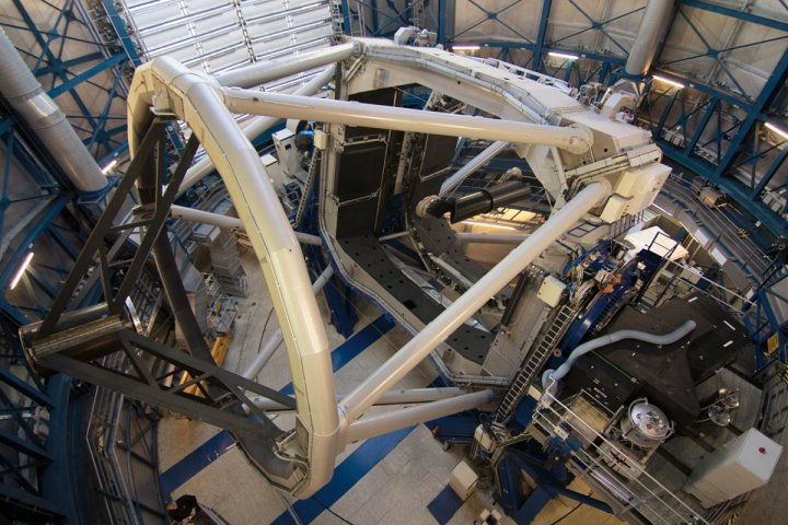 he SPHERE instrument attached to the VLT