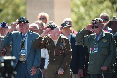 US vets salute