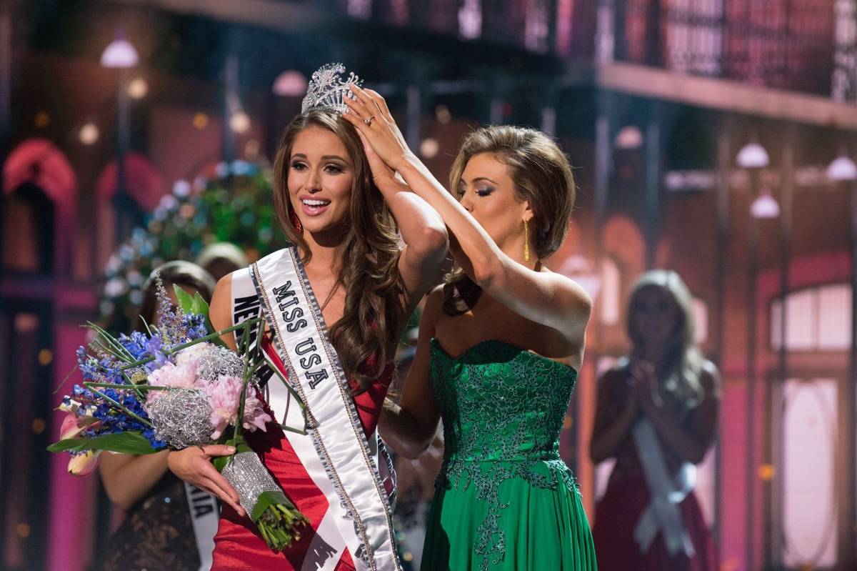 Miss Nevada Nia Sanchez Crowned Miss USA 2014