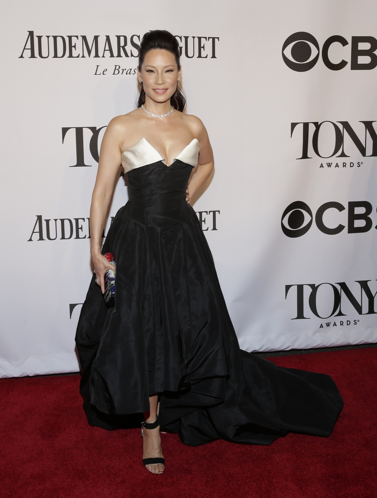 Actress Lucy Liu arrives for the American Theatre Wing's 68th annual Tony Awards at Radio City Music Hall in New York, June 8, 2014.