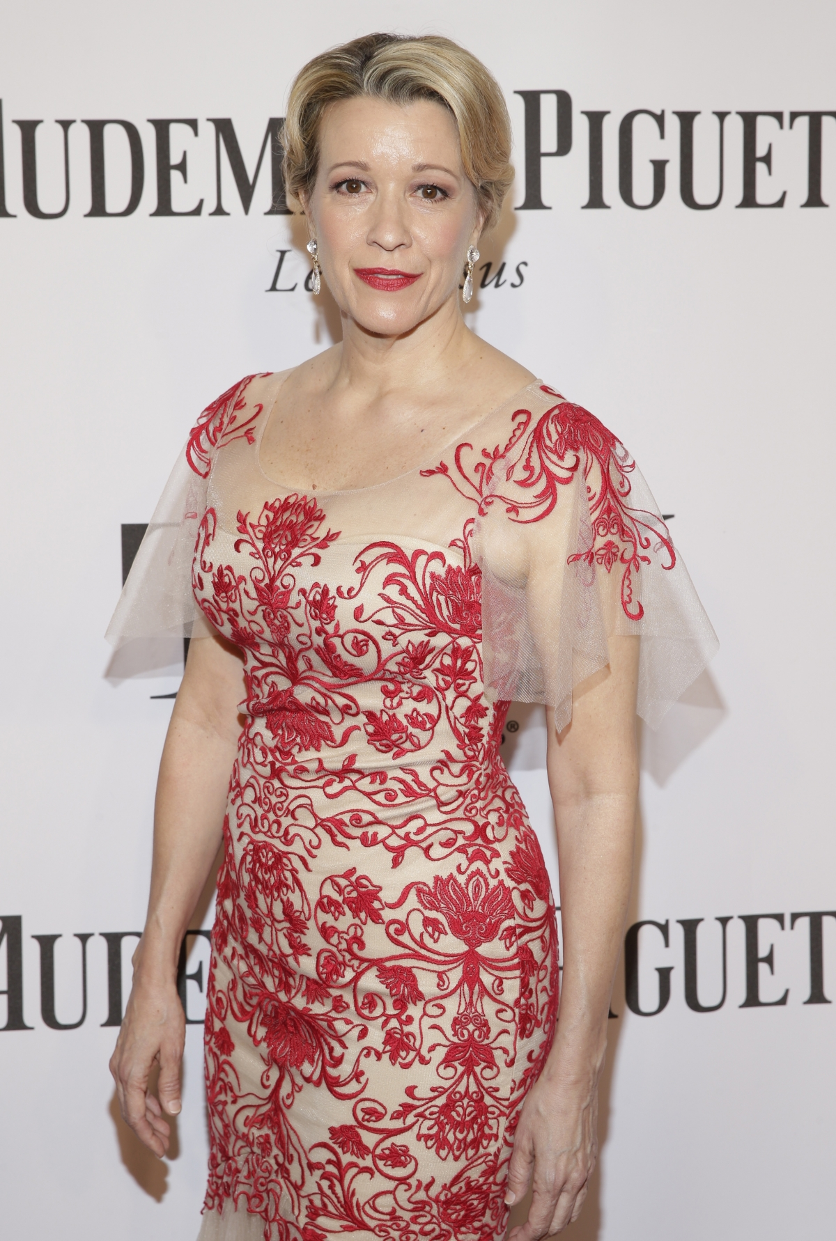 Actress Linda Emond arrives for the American Theatre Wing's 68th annual Tony Awards at Radio City Music Hall in New York, June 8, 2014.