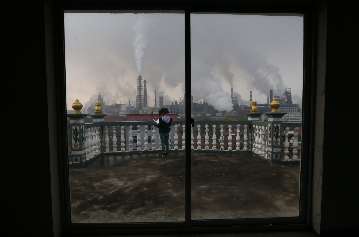 China: Smartphone App to Name and Shame Polluting Factories in Real-time