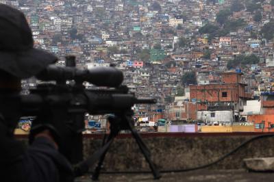 rio favela sniper