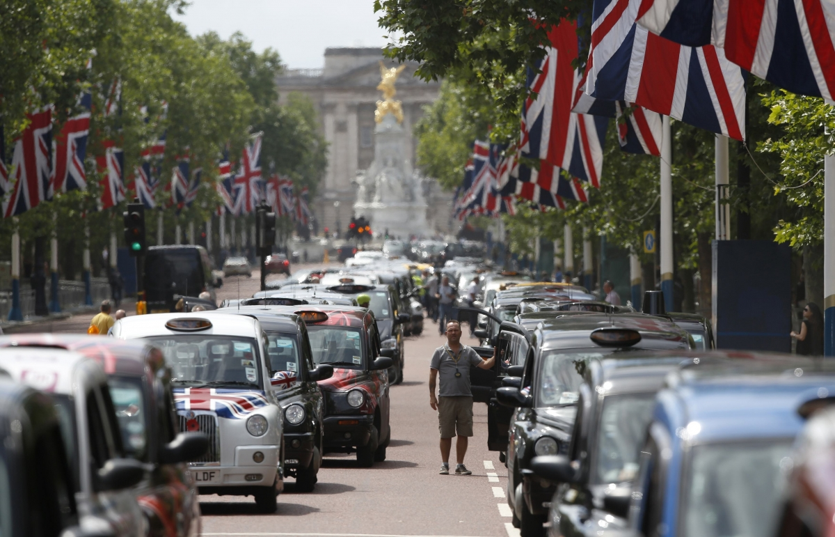 London Cabbies Stage anti-Uber Protest