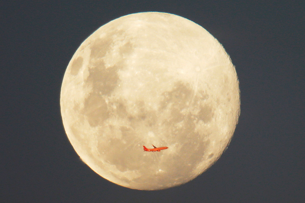 plane moon