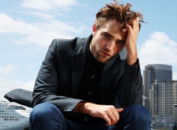 Twilight star Robert Pattinson feels the pressure from paparazzi