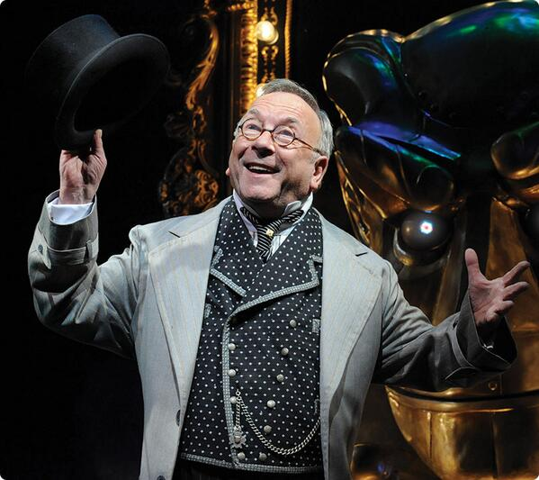 Actor Sam Kelly has died at the age of 70