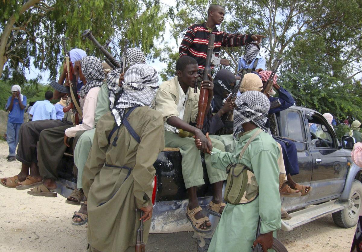 Somalia al-Shabaab militants attack Mpeketoni town in Kenya