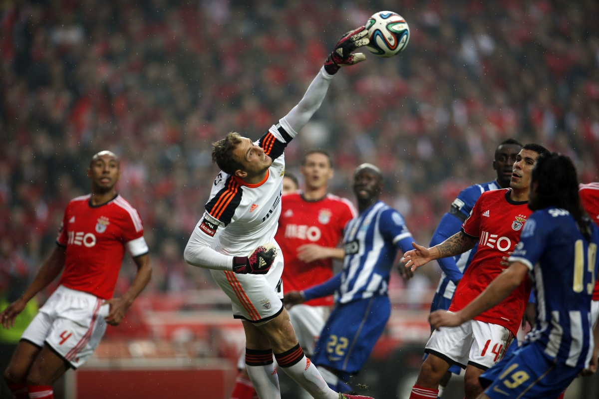 Benfica's goalkeeper Jan Oblak saves the ball during their Portuguese Premier League soccer match against Porto at Luz stadium in Lisbon January 12, 2014.