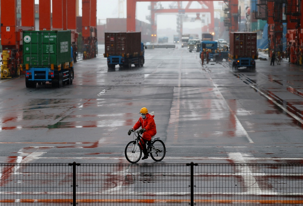 Japan: Exports and Imports Drop in May
