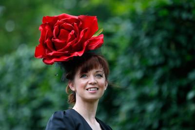 ascot hat rose