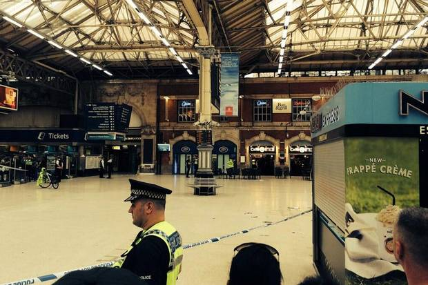 Victoria Station Cordoned Off as Man Holds Machete to His Own Throat