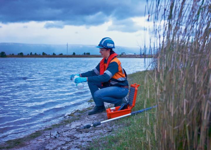 BHP Billiton Staff Brace for '3,000 Iron Ore Job Cuts'