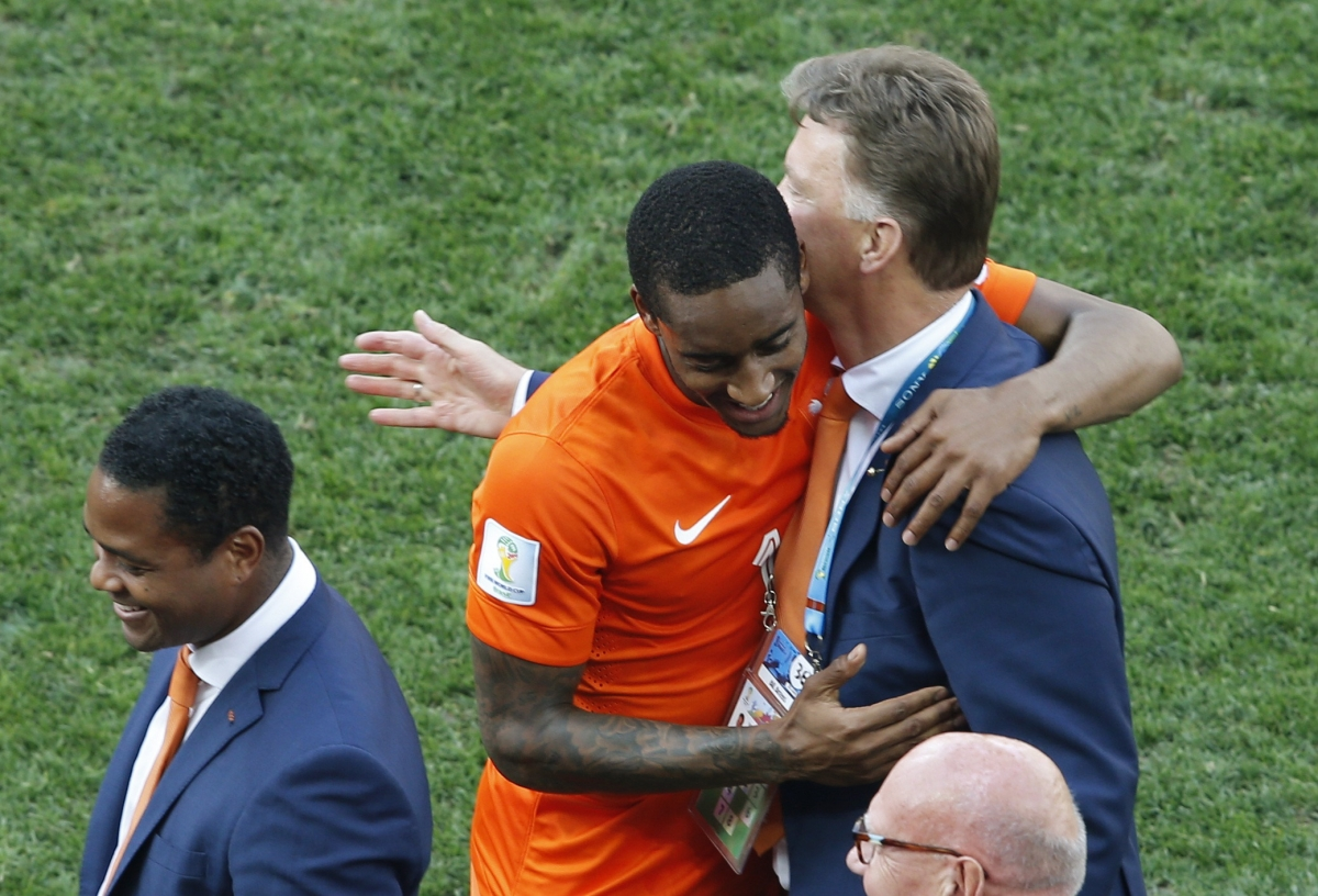 Netherlands Fans Celebrate as Dutch Secure Top Spot in Group B