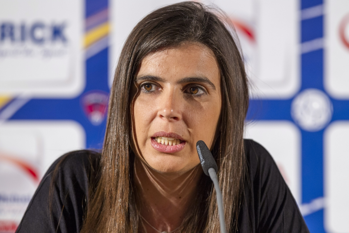 Helena Costa has walked out of Clermont Foot 63 before even meeting the team