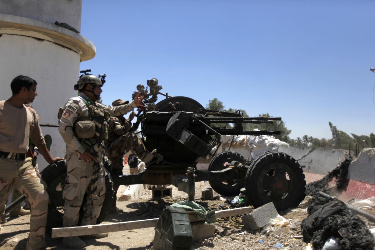iraq isis crisis  sunni islamists attack  u0026 39 camp anaconda