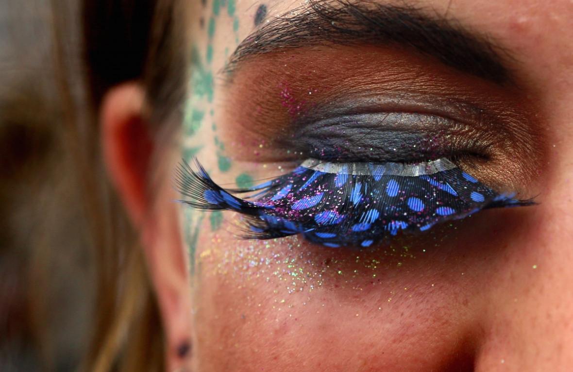 glasto eye make up