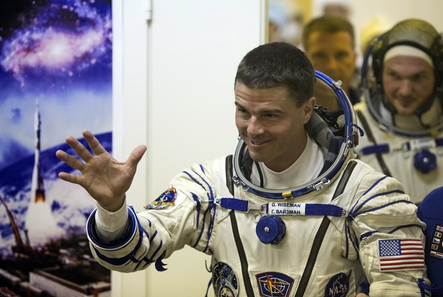 Nasa Astronaut Reid Wiseman Makes Vine Video From Space Of ...
