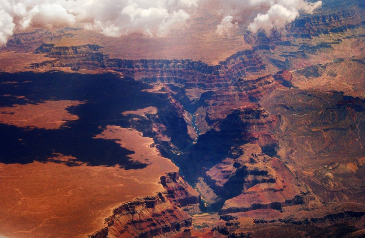 5. The Grand Canyon is 277 miles (446 km) long, up to 18 miles (29 km) wide and attains a depth of over a mile (1.8km).