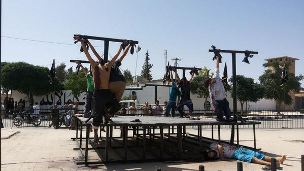 Isis Crucifies Syrian Rebels in Deir Hafer Square Aleppo