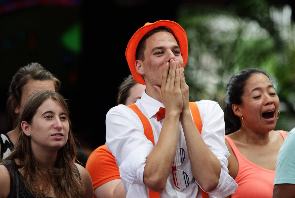 Dutch Fans Celebrate after Stoppage-Time Penalty