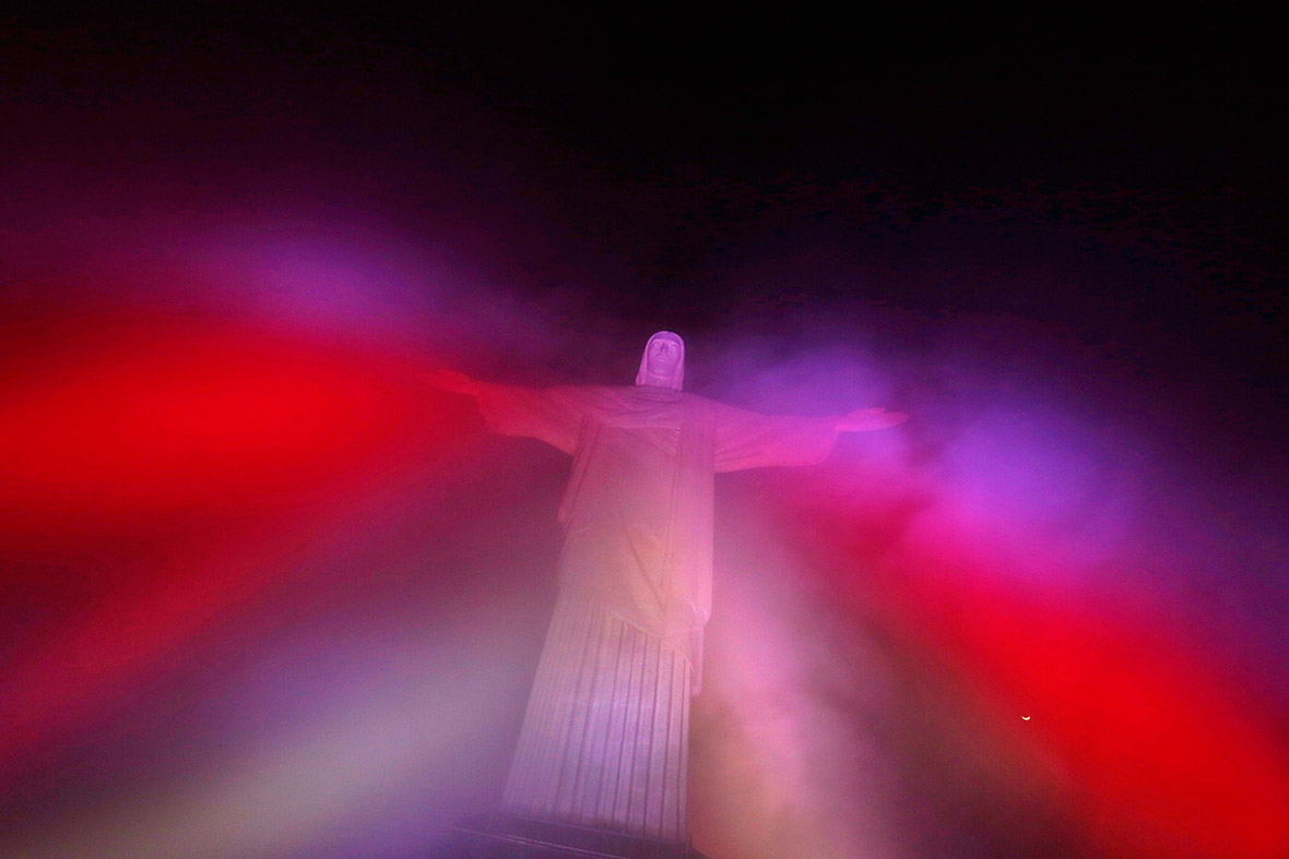Christ the Redeemer full moon