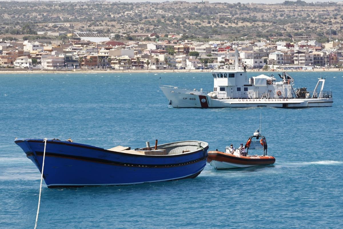 Italy Sicily migrant boats dead