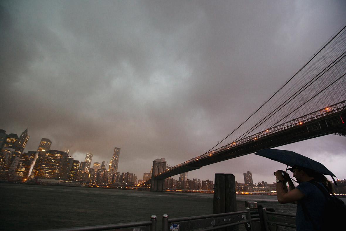 brooklyn bridge storm