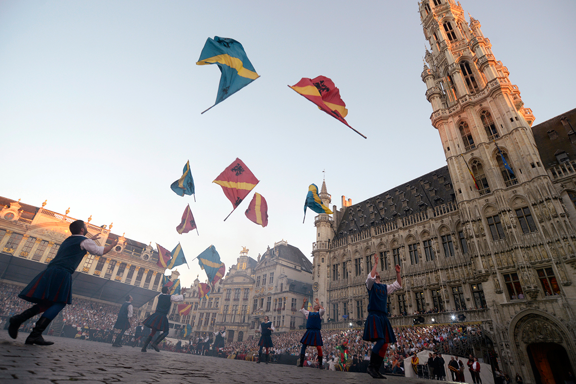 ommegang brussels flags