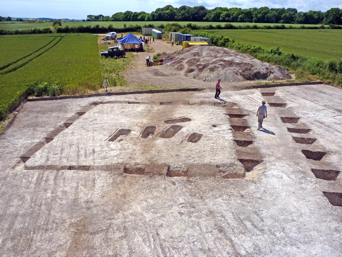 Skeletons of Roman family found in Dorset 6