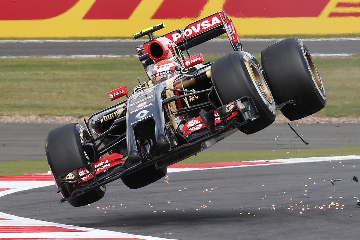 f1 car crash