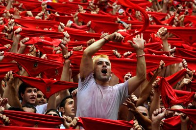 red scarves pamplona