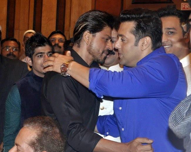 Shahrukh Khan and Salman Khan's famous hug