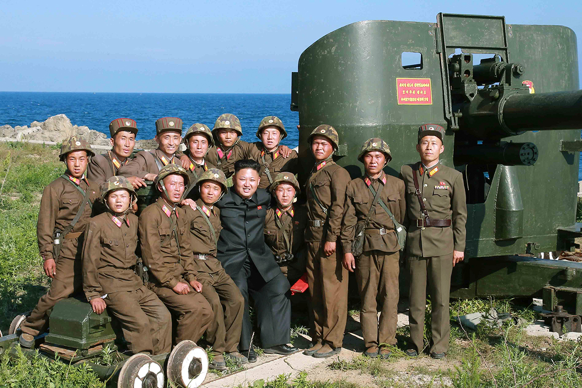 kim jong un soldiers
