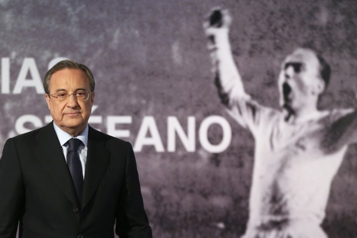 Real Madrid's president Florentino Perez leaves a news conference after the death of former Real Madrid player Alfredo Di Stefano at Santiago Bernabeu stadium in Madrid July 7, 2014.
