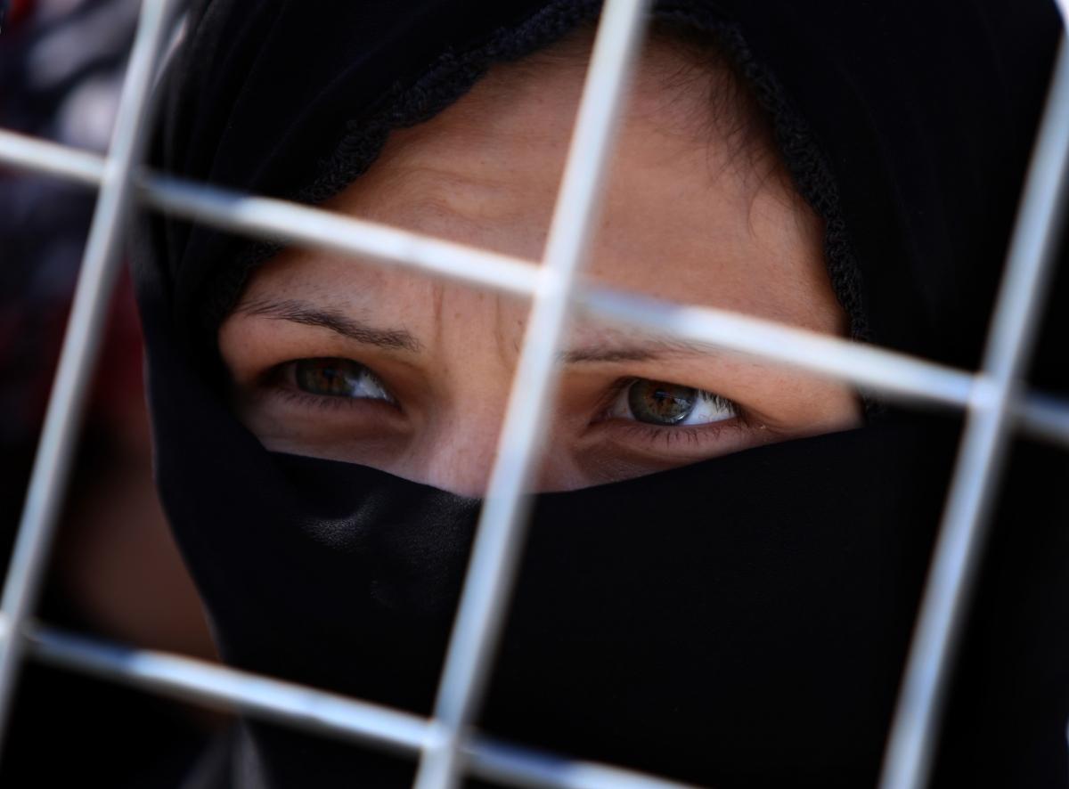 Syria female refugees