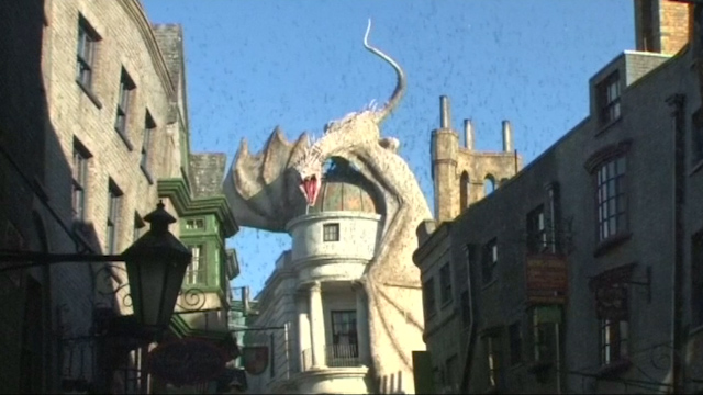 Harry Potter Fans Rush to New Universal Studios Diagon Alley Expansion