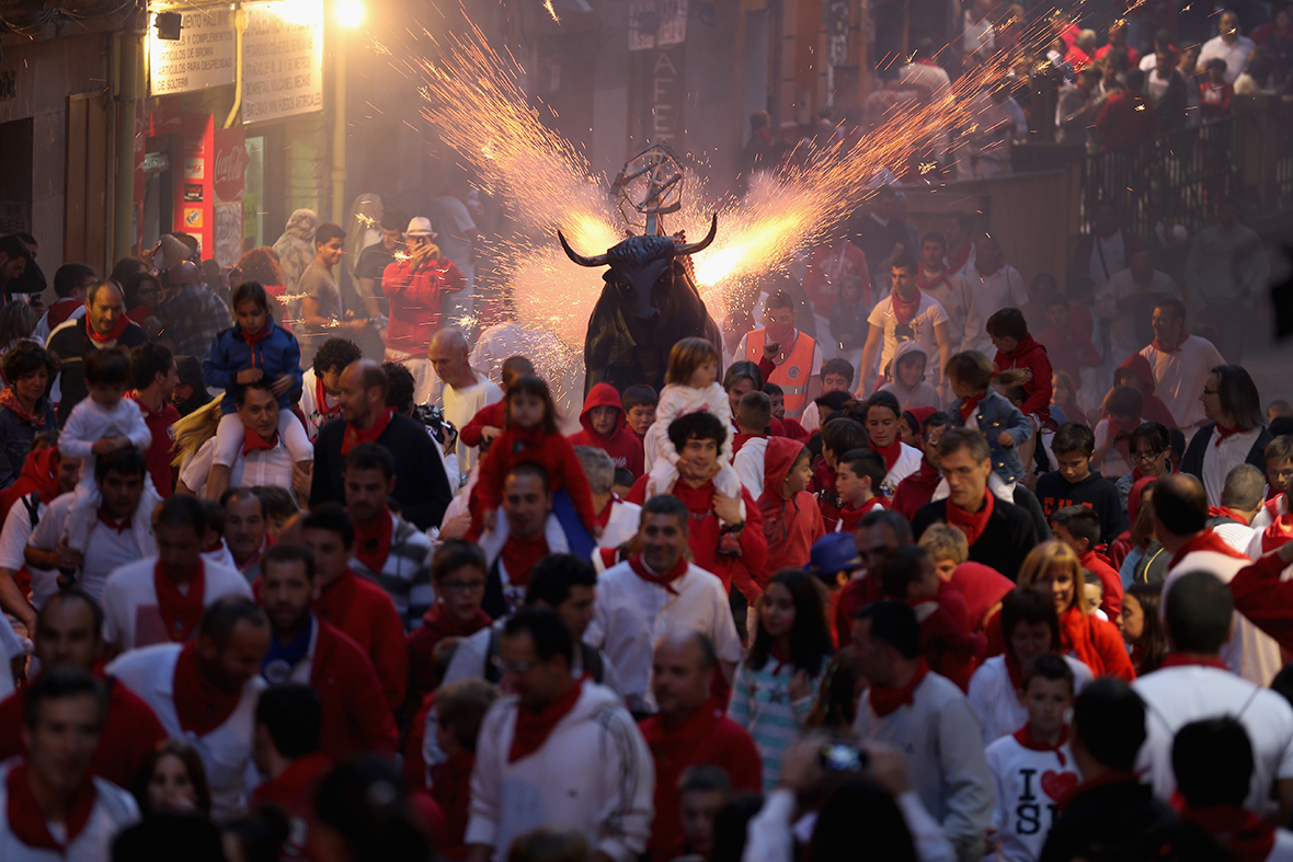 pamplona fire bull