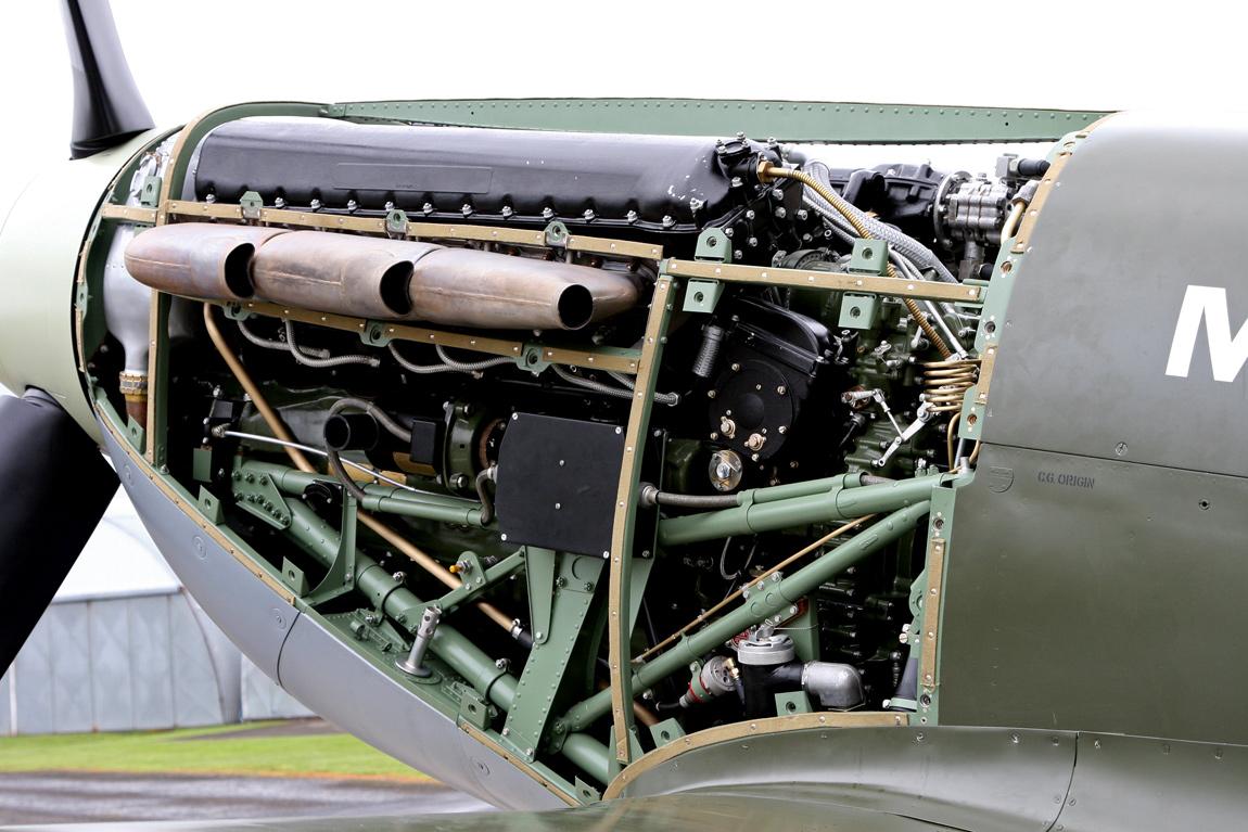 Spitfire 19