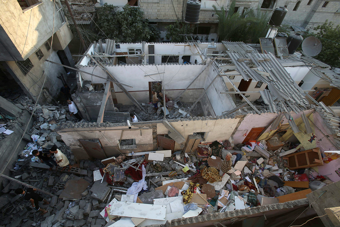 gaza house rubble