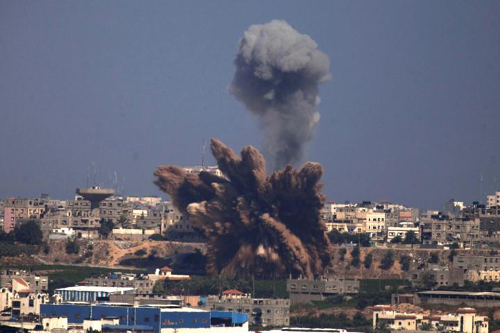 gaza airstrike smoke fist