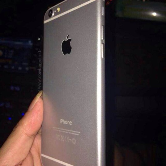 Functional iPhone 6 Clones Surface Online via Chinese Counterfeiters