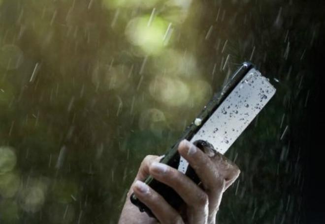 rain powered smartphone