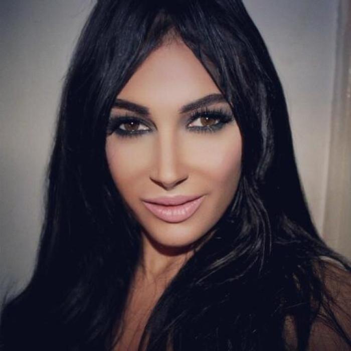 Kim Kardashian Look-alike Claire Leeson